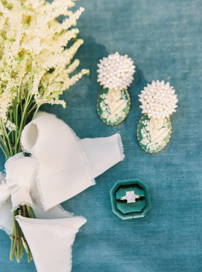 wedding engagemenet ring flowers and lapel pins
